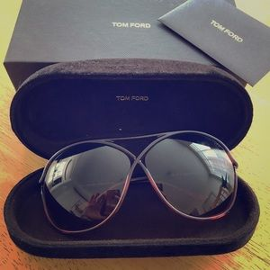 Vicky TF184 Tom Ford Sunglasses.